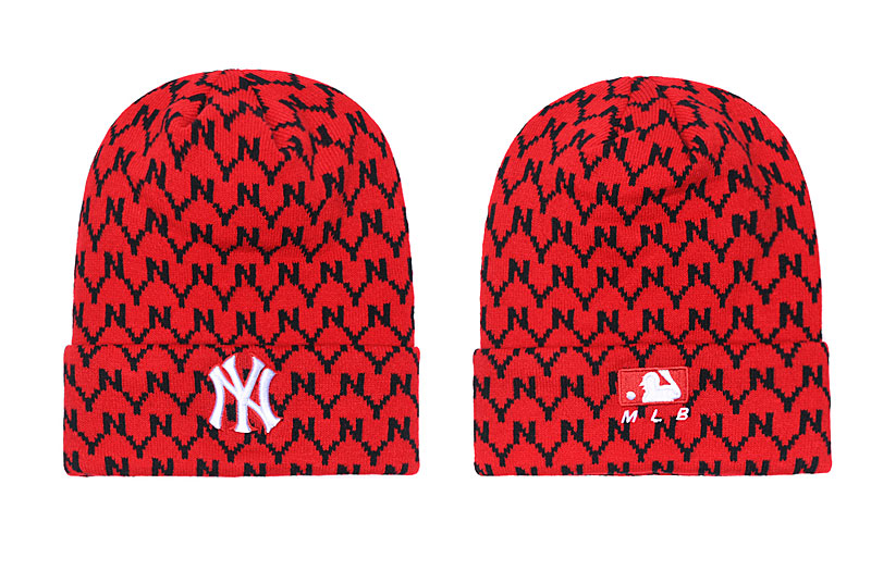 Yankees Team Logo Red Pom Knit Hat SG