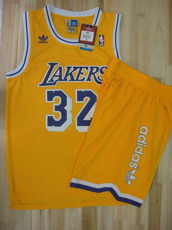 Lakers 32 Johnson Yellow Suit
